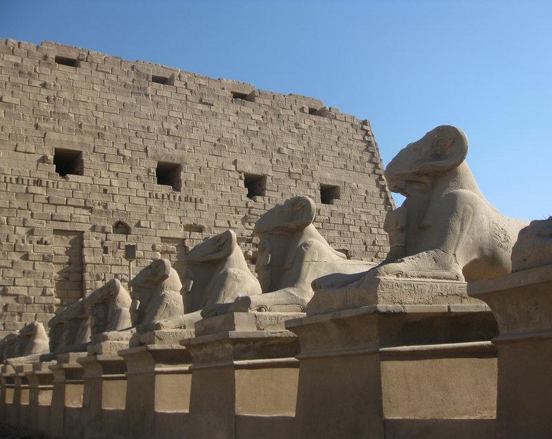 Крутой сэм в Египте